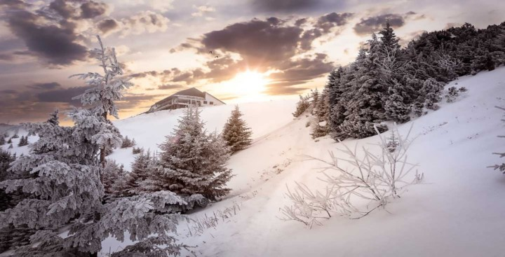 Peisaje montane iarna..